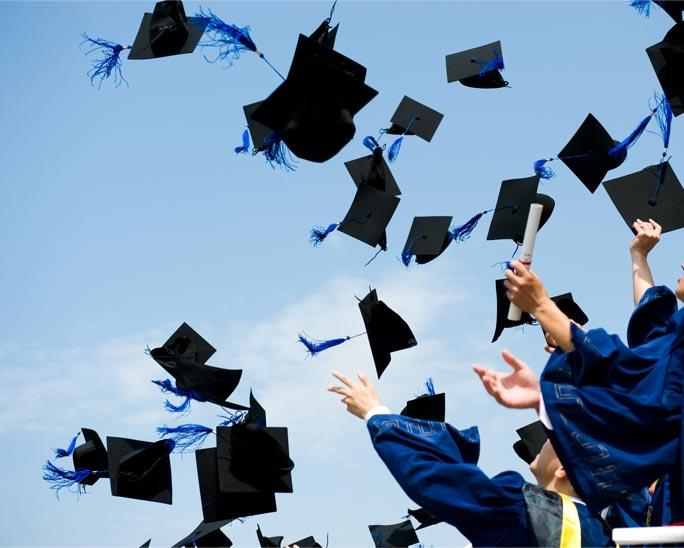 Vale a pena fazer faculdade particular?